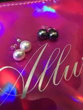 Load image into Gallery viewer, Cannes Pearl Earrings