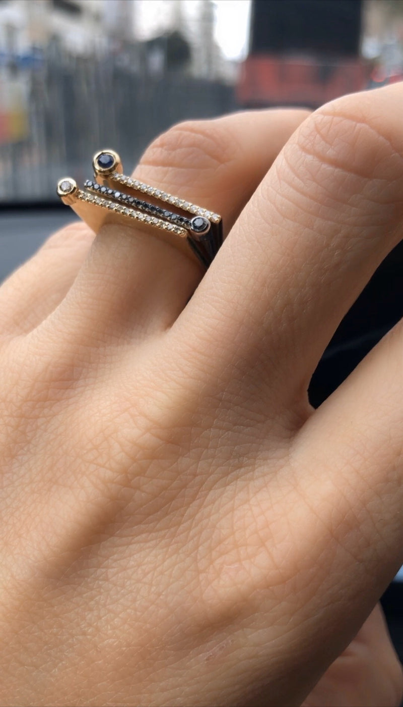 "¡Buenos Días! ""Horizon"" Ray Ring in White Gold with Black Diamonds"