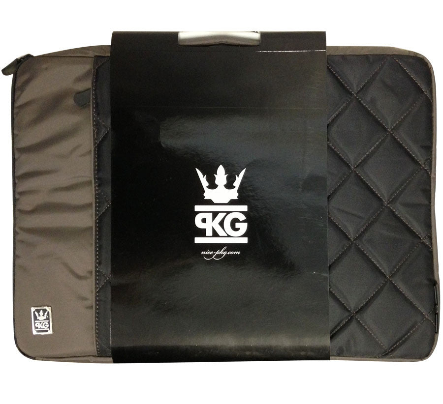 "PKG Stuff 16"" Laptop Sleeve - Black - STUFF116-BLK - LiquidationOutlet.ca"