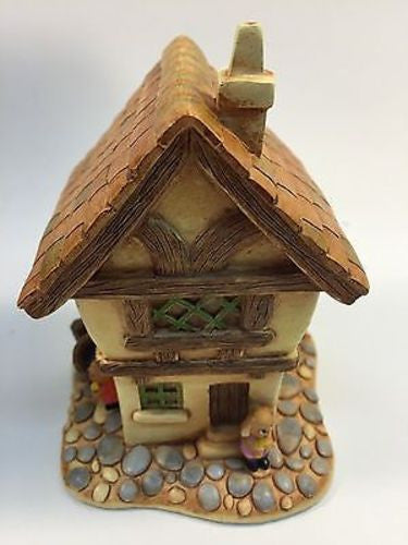 NEW, PEN DELFIN COBBLE COTTAGE RABBIT FIGURINE - LiquidationOutlet.ca