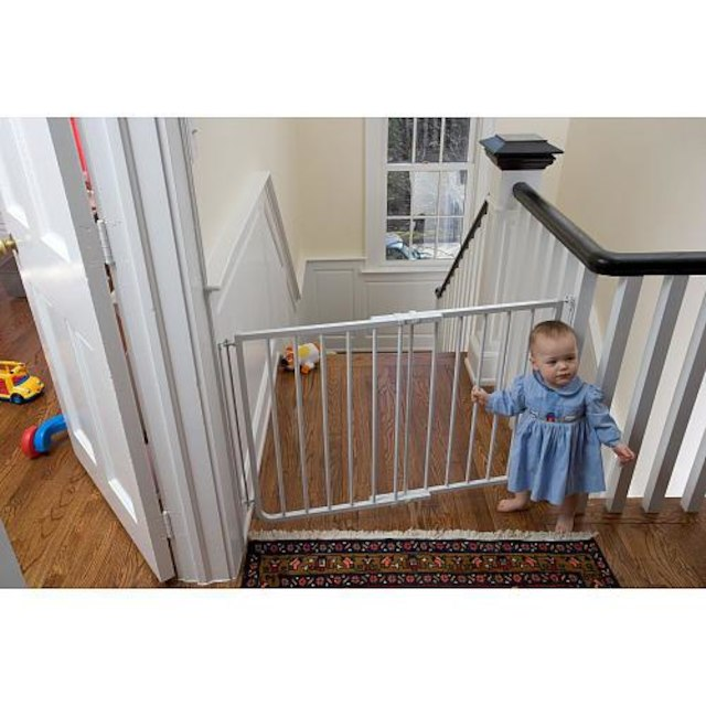 New, Cardinal Gates SS 30 27  2.5 Inch Stairway Special Safety Gate   White  (open Box) *PickupOnly   B