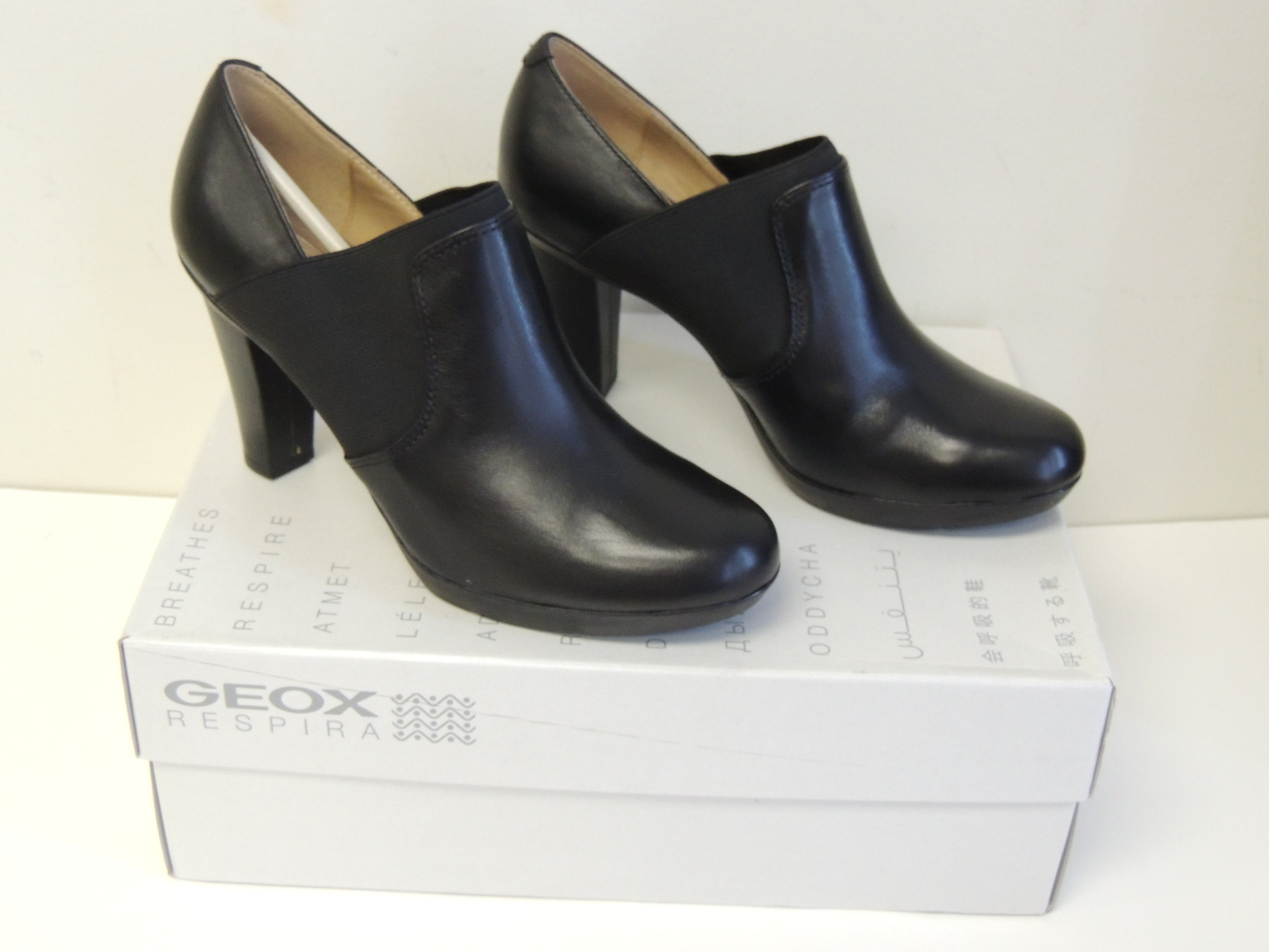 GEOX D Inspiration Shootie Black Leather Shoes, Size 6.5 / 36.5 EU
