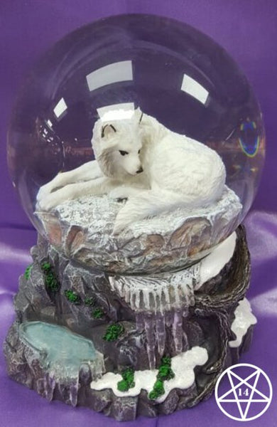 Lisa Parker Guardian of the North Wolf Snowglobe 14.5cm Figurine