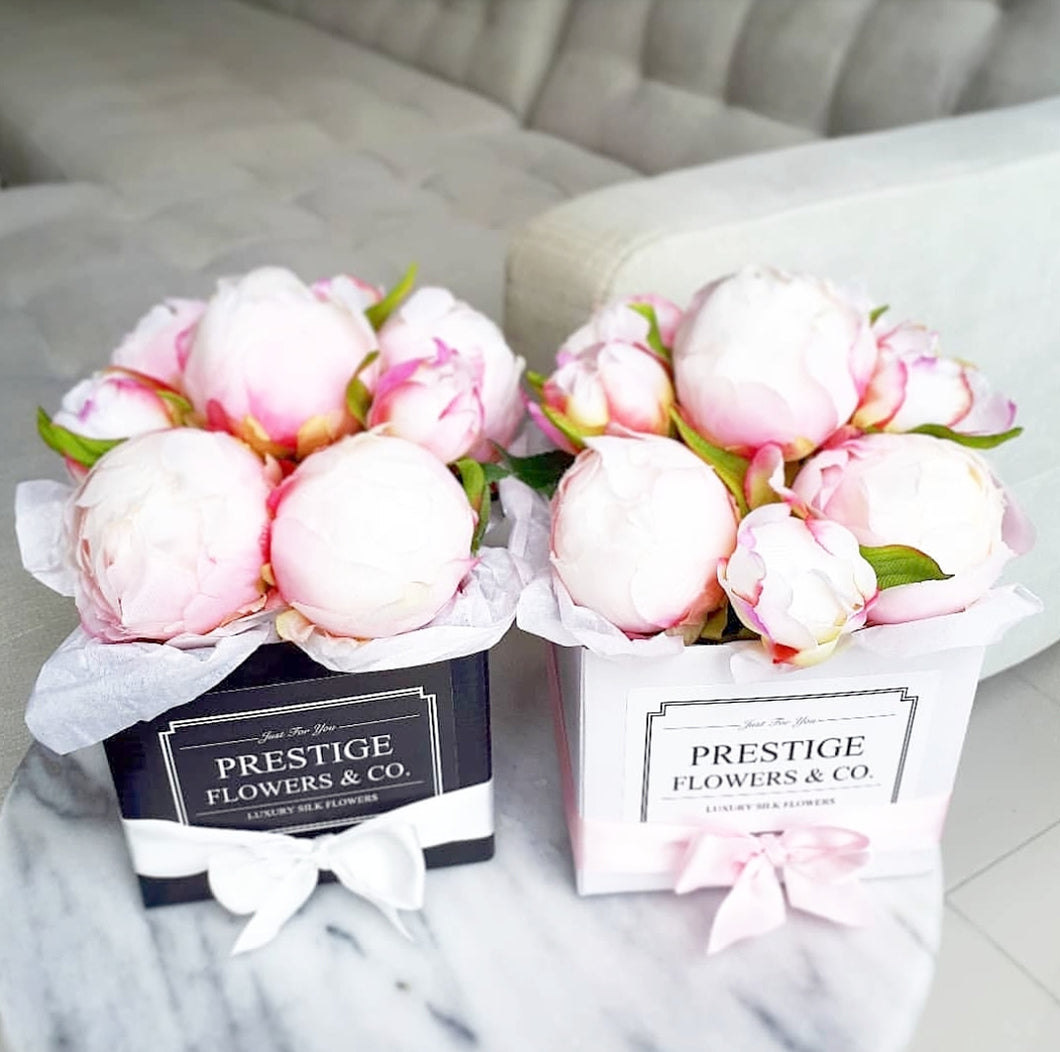 'Delight' silk peony buds Flower Box