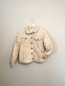 Teddy Shacket in Taupe