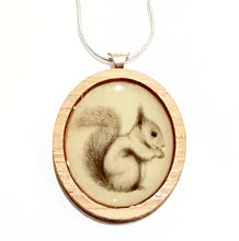 Load image into Gallery viewer, Sonia Brit Resin necklace - Cheeky Squirrel