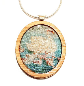 Sonia Brit Resin necklace - Swans