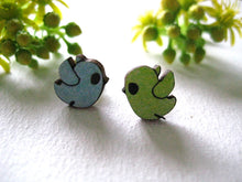 Load image into Gallery viewer, Sonia Brit studs - bob birds yellow/blue