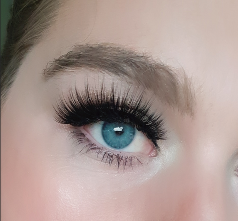 Annick Lashes