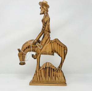 Vintage Hand Carved Wood of Don Quixote Riding a Horse - Regalo Di Lusso