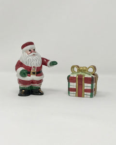 Fitz and Floyd Plaid Christmas Salt and Pepper Set - Regalo Di Lusso