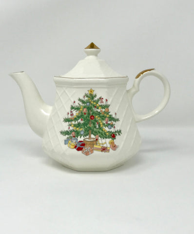 Christmas Tree Teapot 6 Cup Made in Japan - Regalo Di Lusso