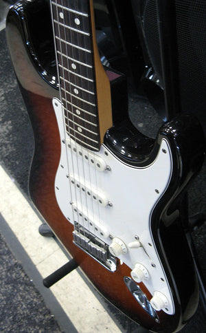 1996 Fender American Standard Stratocaster - Chicago Pawners & Jewelers