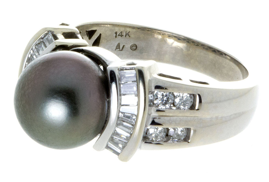 Black Pearl & Diamond Ring - Chicago Pawners & Jewelers