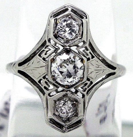 1930s Art Deco Filigree Diamond Ring