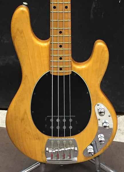 dating music man stingray ii