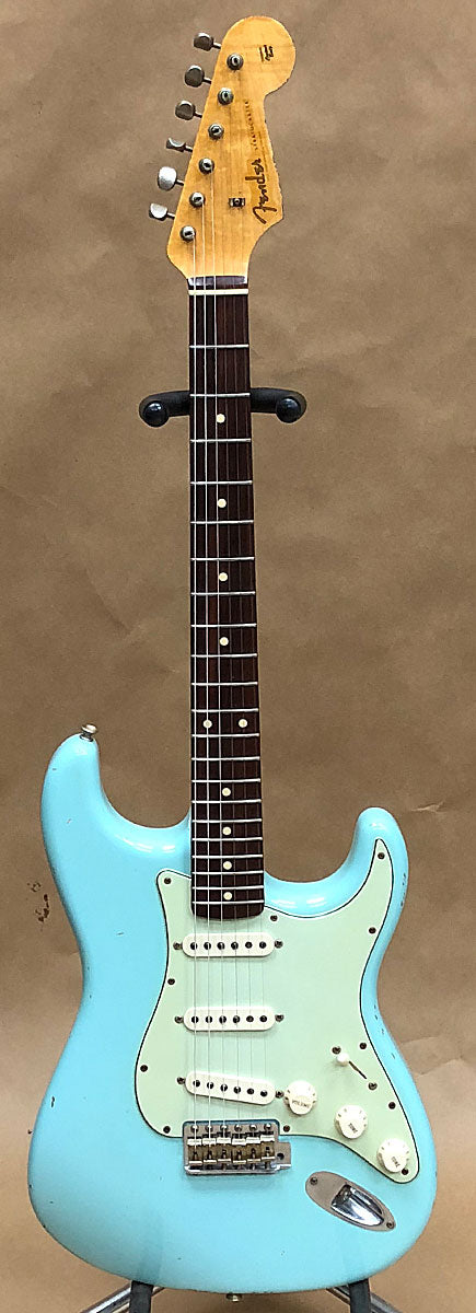 Fender '60 Stratocaster Relic Custom Shop Daphne Blue - Chicago Pawners & Jewelers