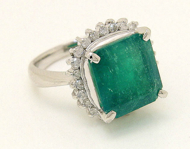 Platinum 7.88ct Emerald & Diamond