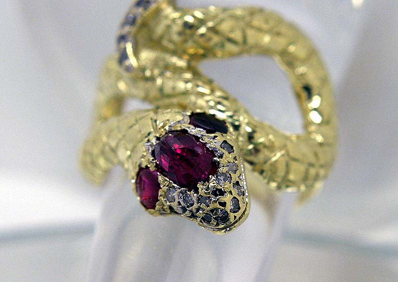 Designer Ruby & Diamond Snake Ring in 18KT Gold - Chicago Pawners & Jewelers