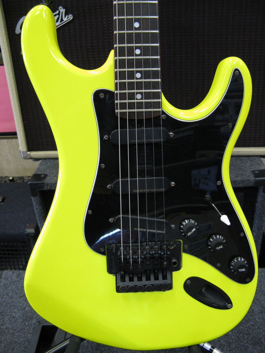 Kramer Striker ST300 Electric Guitar - Chicago Pawners & Jewelers