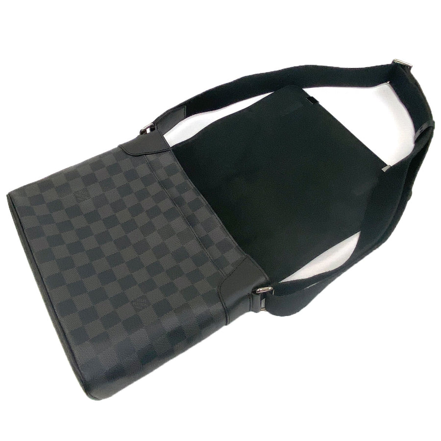 Louis Vuitton District PM Messenger Bag Damier Graphite