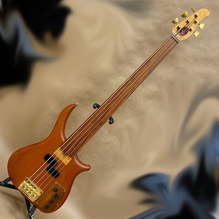 US Masters Guitars Works P-5 Fretless 5 String Bass