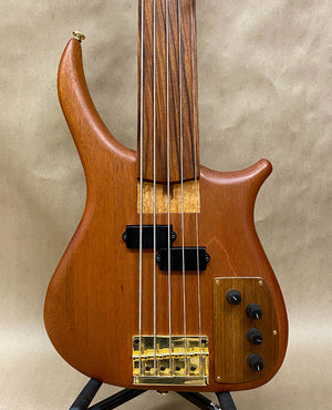 US Masters Guitars Works P-5 Fretless 5 String Bass - Chicago Pawners & Jewelers