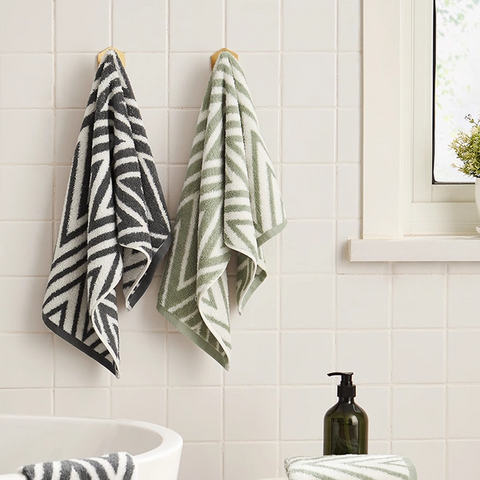 "Simple 100% Cotton Jacquard Towel - 13.39"" x 29.92"""