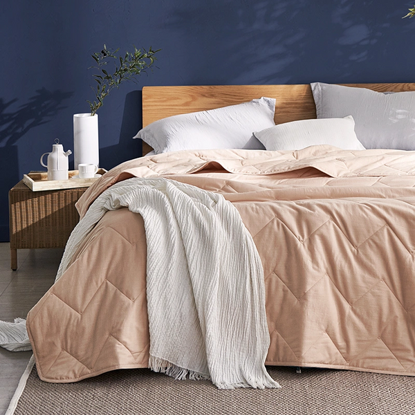 Summer Cooling Comforter With Natural Cotton and Linen