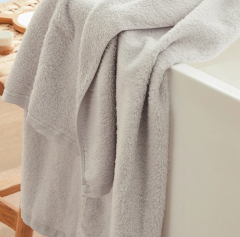 "Soft & Cozy Premium Bath Towel - 27.56""x55.12"""