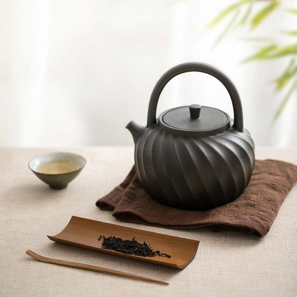 Clay Teapot Coated with Wave Design Home & kitchen LIFEASE Black 1200ml