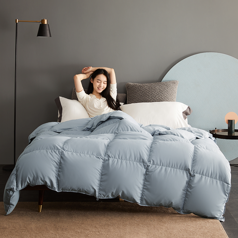 Zero-Pressure Feeling, Ultra-Light Heat Storage Comforter