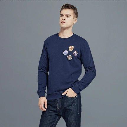 Men's Round Neck Sweatshirt with Vintage Badges Design Apparel shoe bag LIFEASE