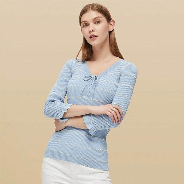 Women's V-neck Lace-up Slim-fit Sweater - Lifease