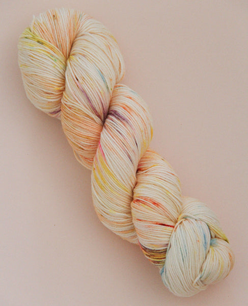 Hand-Dyed Fingering Yarn Skein: Lemon Squeezy