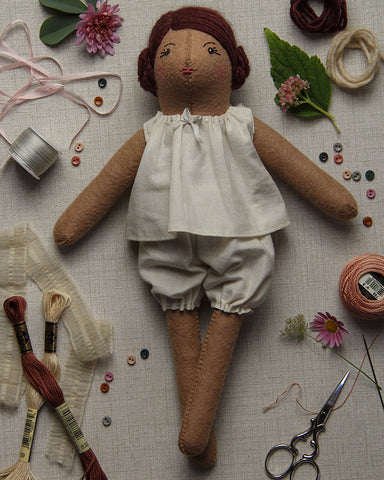 Dovegray Doll Kit: Mollie