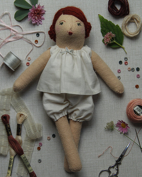 Dovegray Doll Kit: Poppy
