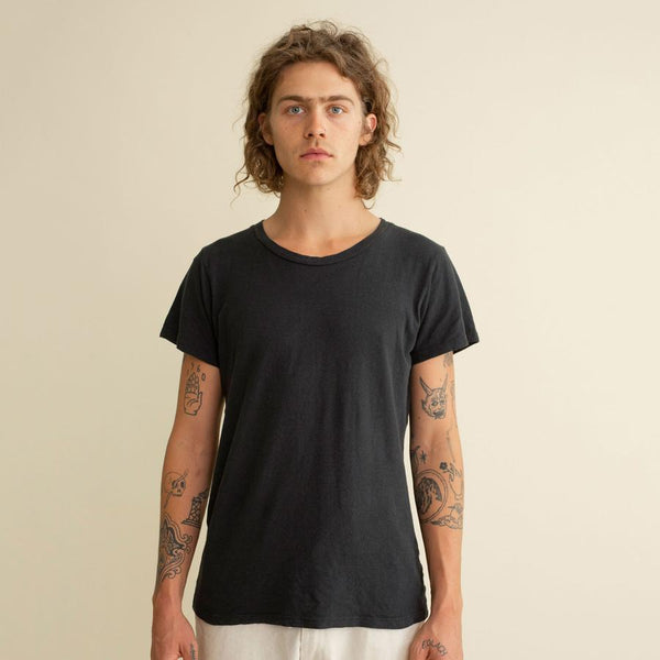 lorel tee / washed black - the general public