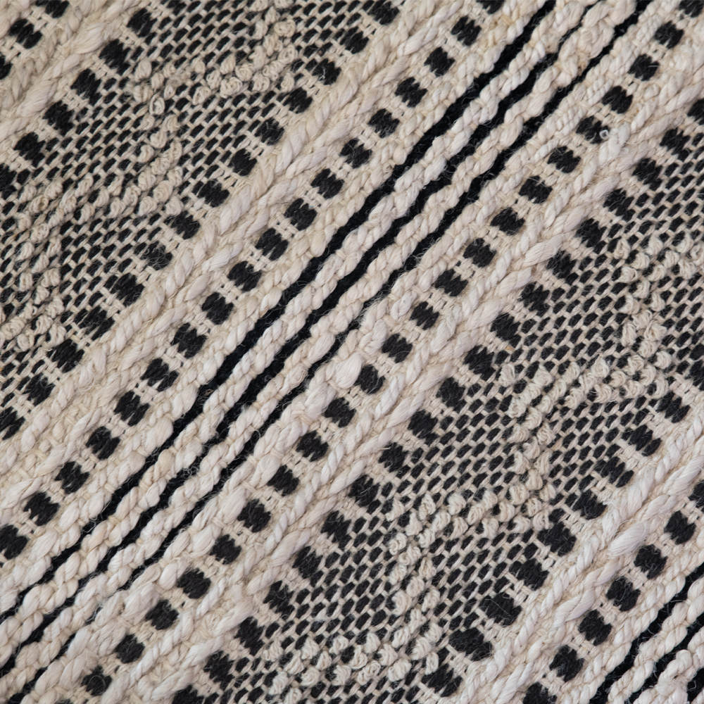 Dwell Chic-Black and Natural 2x3 Rug-Rug