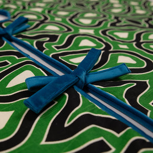 Black and Green Locking Keys Patterned Tree Skirt