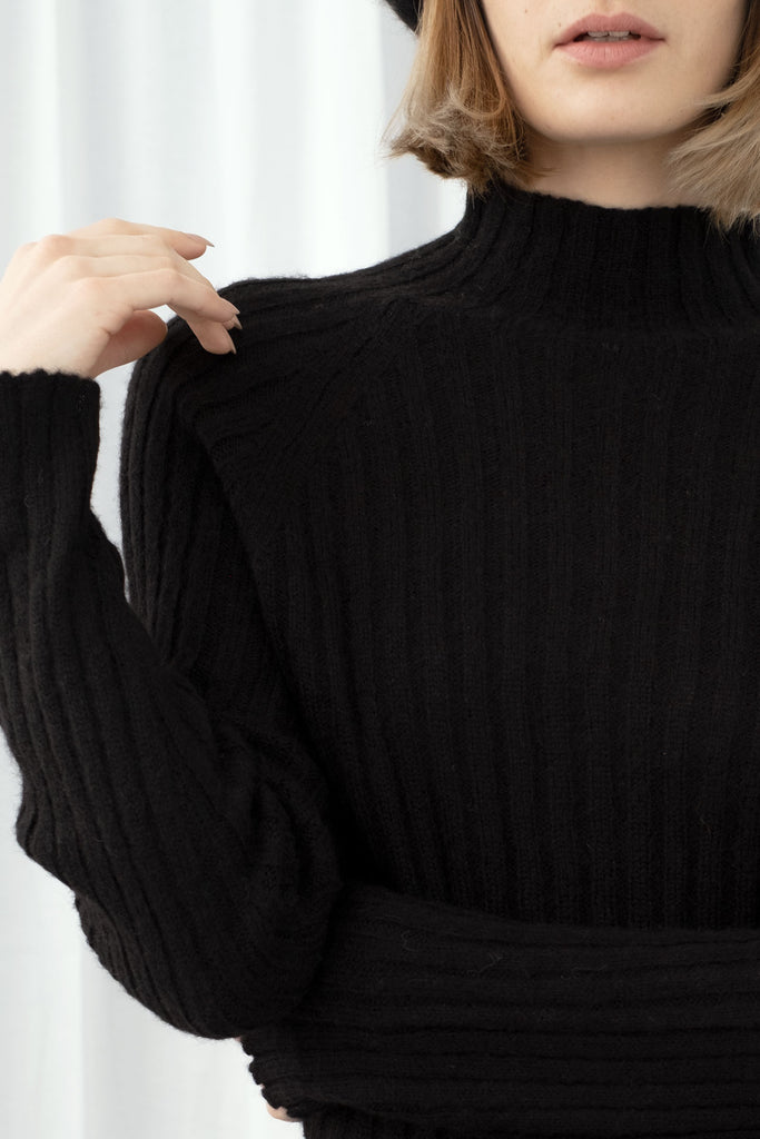 Black Isa Rib Top