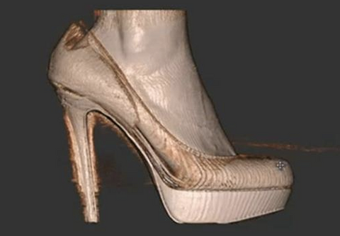 3D of foot in heels