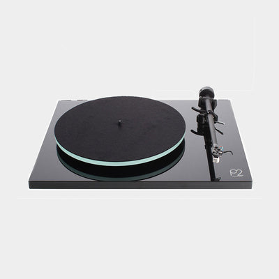 Planar 2 turntable by Planar in piano black is popular with record enthusiasts