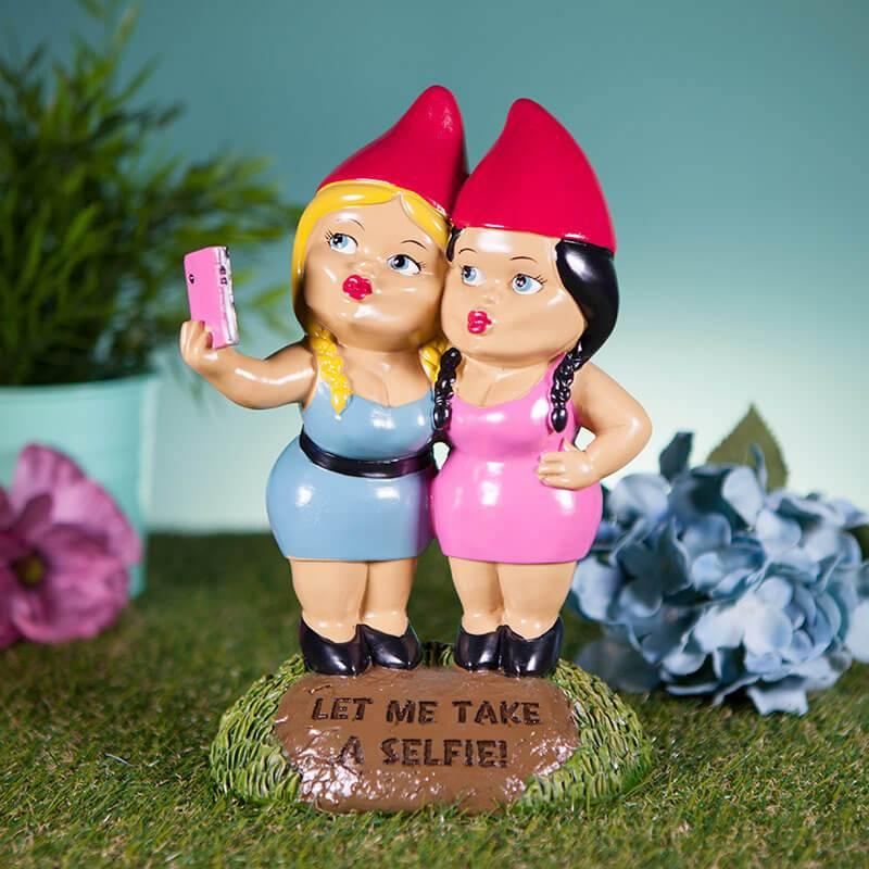 Let Me Take A Selfie Gnome - It's Okay To Be Weird
