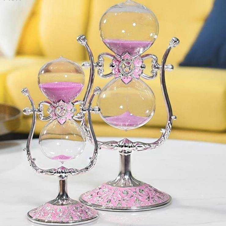Exquisite Glass Hourglass