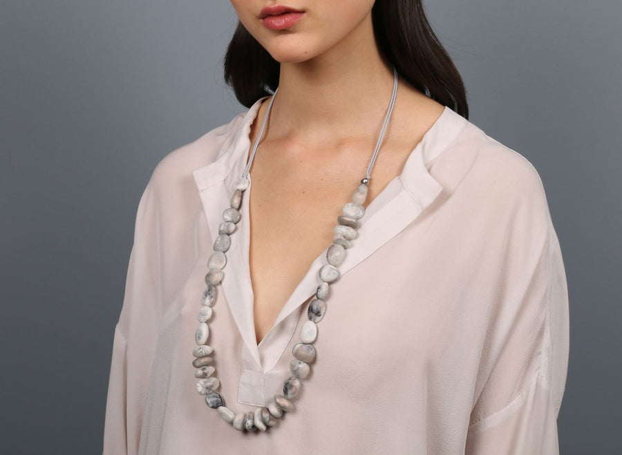 Classic Resin Earth Half Necklace - Sandy Pearl
