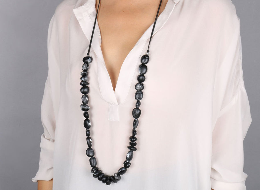 Classic Resin Earth Half Necklace - Black Marble