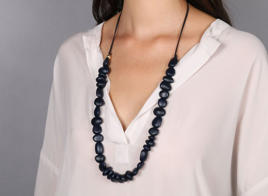 Classic Resin Earth Half Necklace - Dark Navy