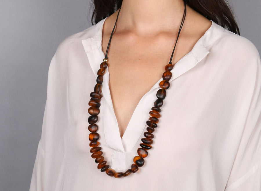 Classic Resin Earth Half Necklace - Tortoiseshell