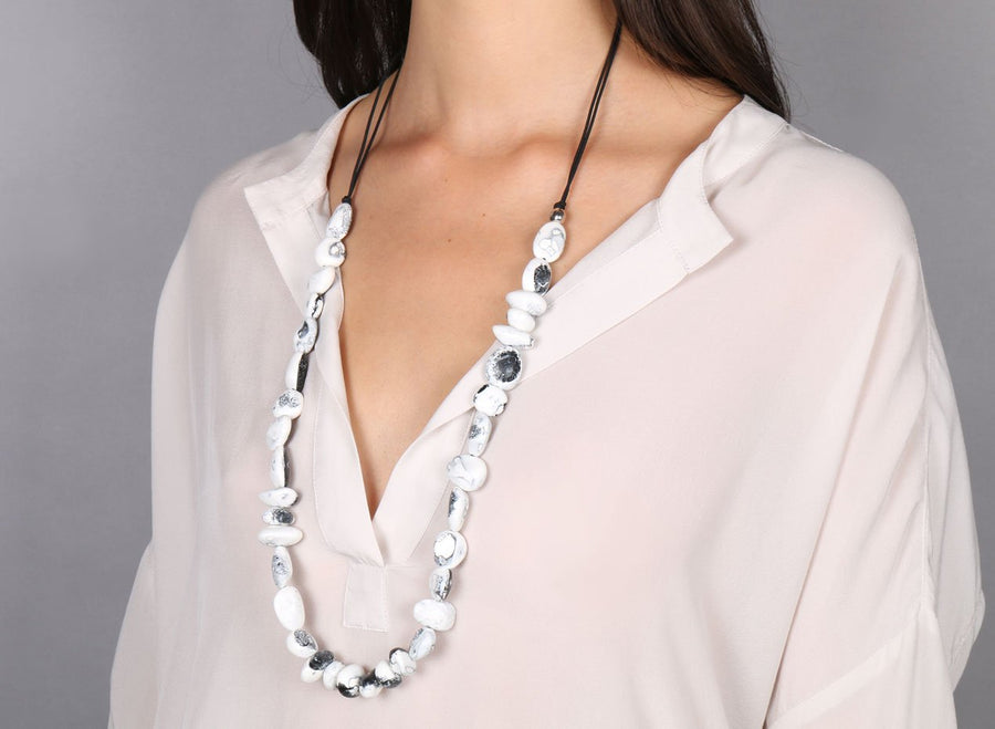 Classic Resin Earth Half Necklace - White Marble
